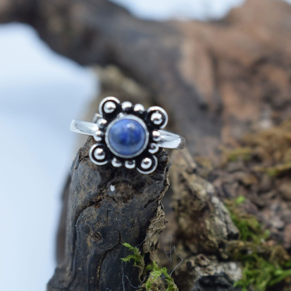 Ring White Metal Lapi Lazuli Chrysanthemum