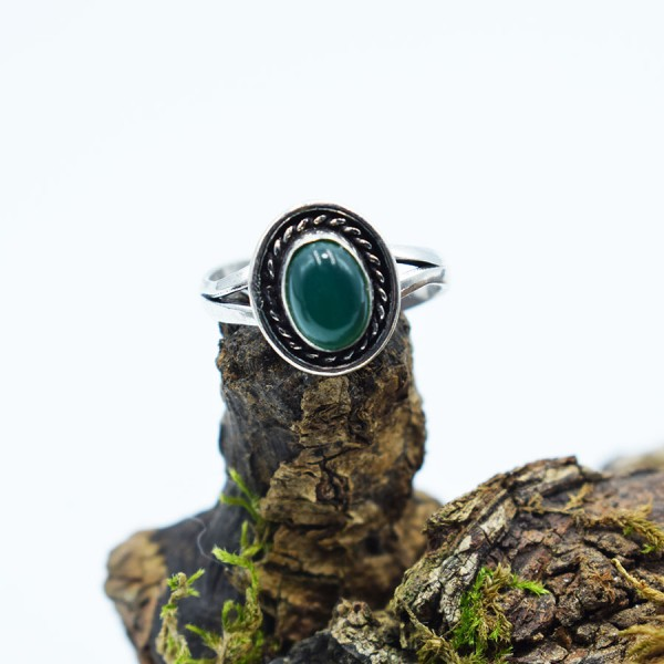 Ring White Metal Green Agate Oval