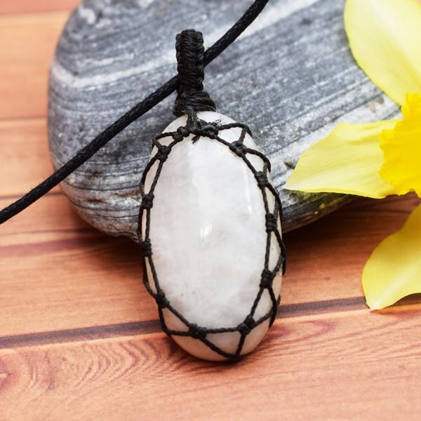 Macrame Neck Crystal Moonstone